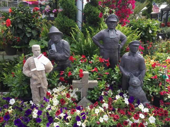 Outdoor Service People Garden Statues