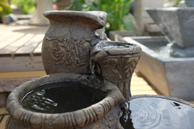 4 Pots Outdoor Fountain