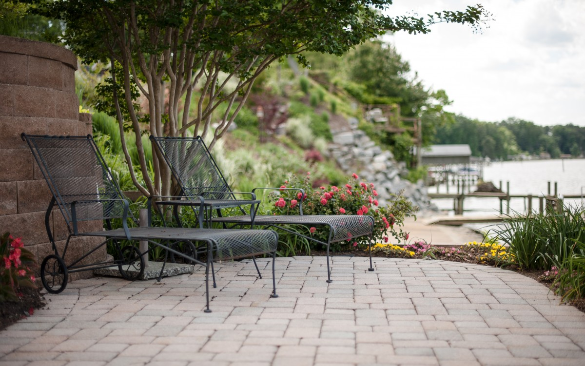 Patuxent Nursery's Natural Stone & Paver Yard - Eagle Bay Cottagestone Textured