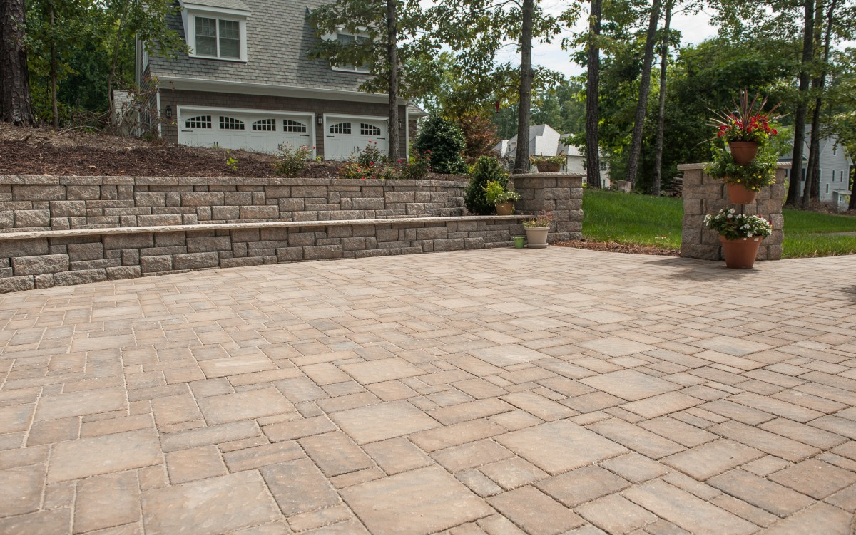 Patuxent Nursery's Natural Stone & Paver Yard - Eagle Bay Grandcay Cobbled Pavers