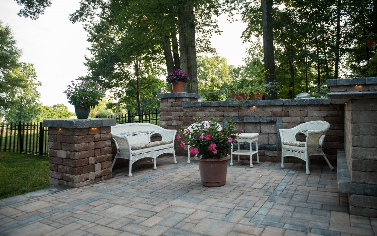 Eagle Bay Pavers, Brikstone Chamfered – Chesapeake