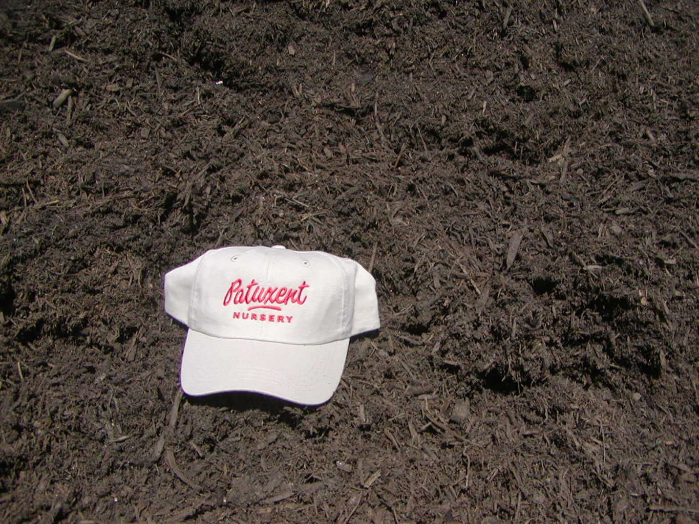 Buy Shredded Mulch Online Bulk Delivery Patuxent Nursery Bowie Md