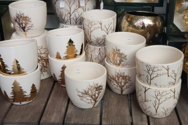 little cups with gold christmas designs