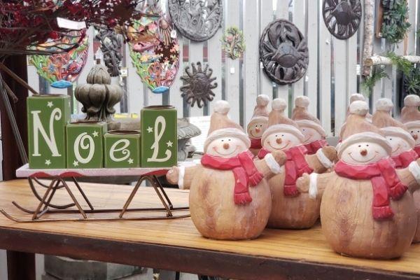 wooden snowmen for mantle